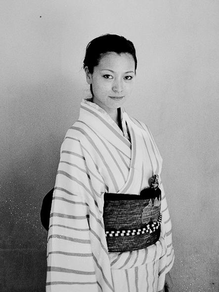 http://johan-attia.com/files/gimgs/38_la-femme-en-kimono.jpg